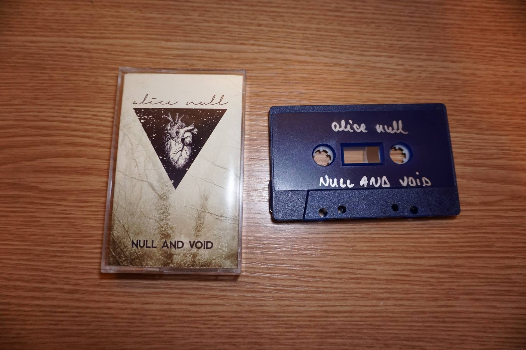alice-null-caseta